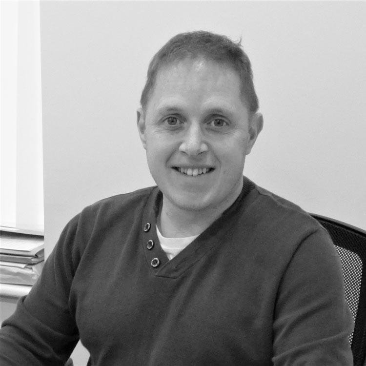 Aled joined Cymen as a translator in 1999 and has been company director since 2007. He manages and arranges simultaneous translation services and travels all over Wales providing these services. He also deals with Customer Relations and Business Development, and he holds a Certificate in Translation and Technology Services from Bangor University.